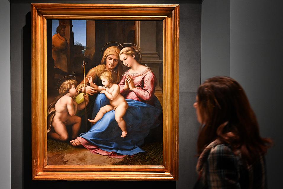 «Мега-выставка» Рафаэля открылась в Риме, несмотря на вирусную угрозу. ОБНОВЛЕНО