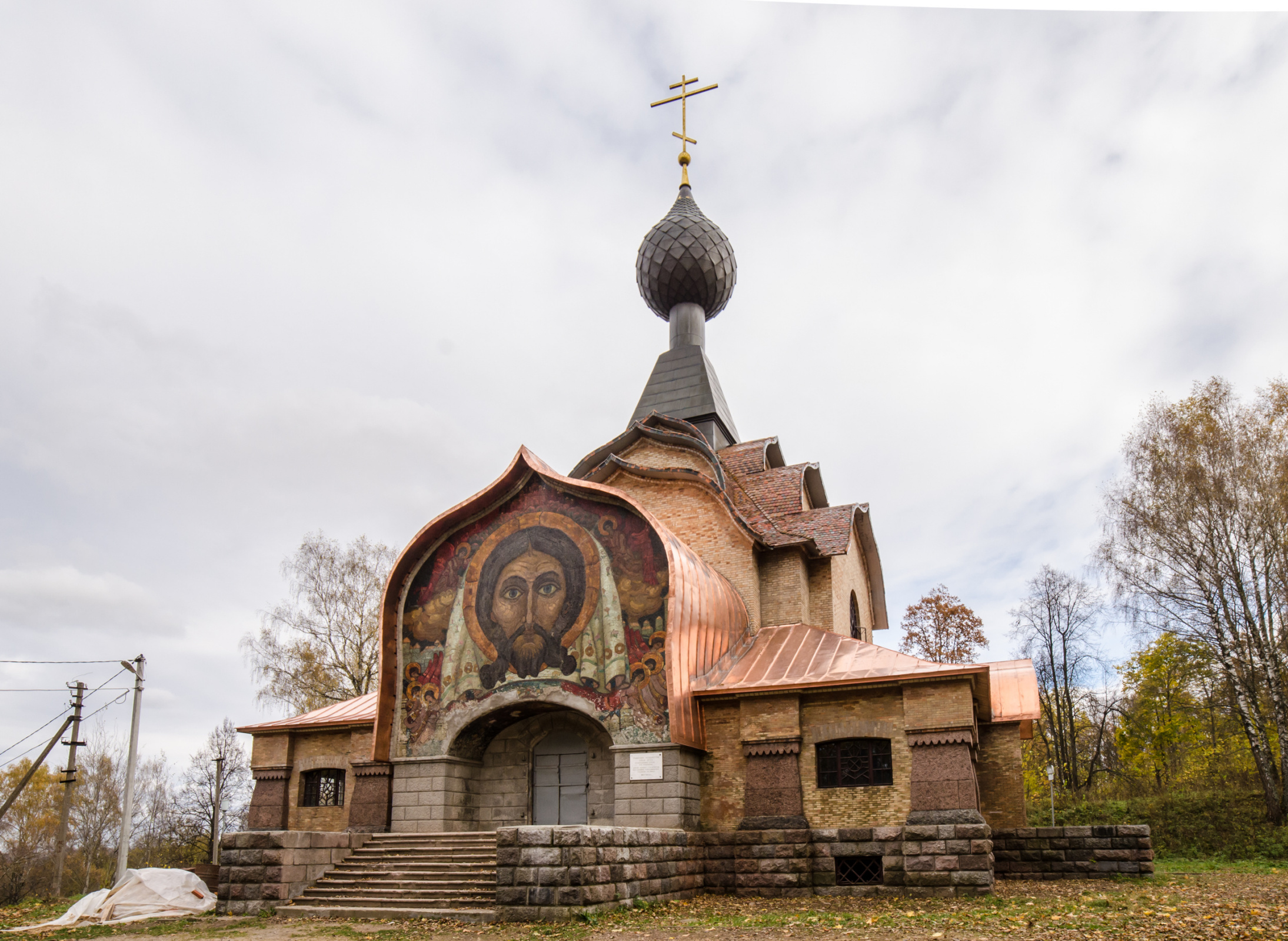 The Church of the Holy Spirit in Talashkino (1910s) was richly decorated with ornamented ceramic til