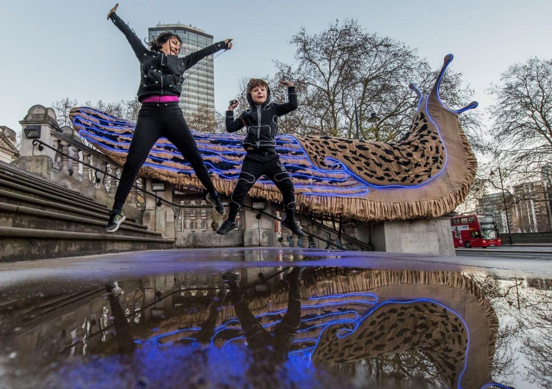 Световая Нарния, $30 млн для капеллы Ротко и гигантские слизни возле Тейт