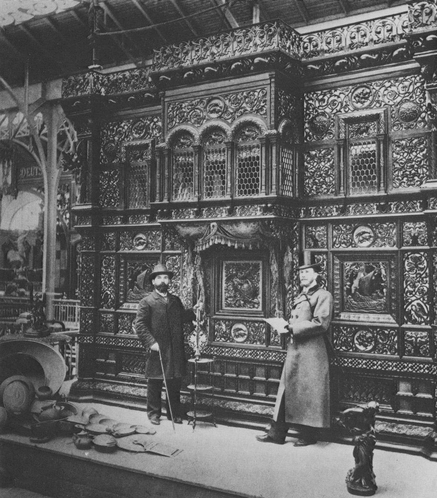 The openwork cast-iron pavilion of Kasli iron, awarded the Grand Prix at the 1900 World Exhibition.