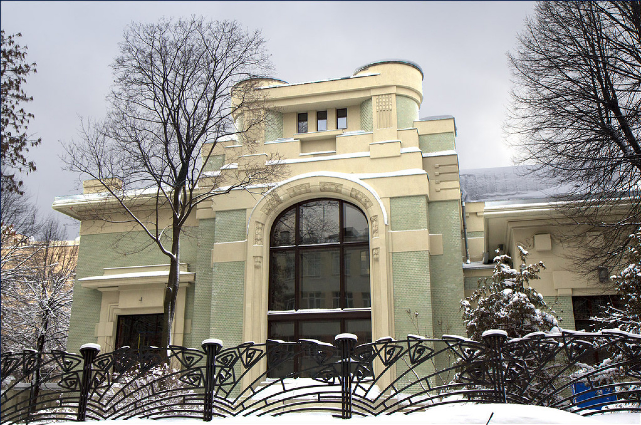 Mansion of A. I. Derozhinskaya. Built in 1901-1904. Designed by architect Fyodor Shekhtel for Alexan