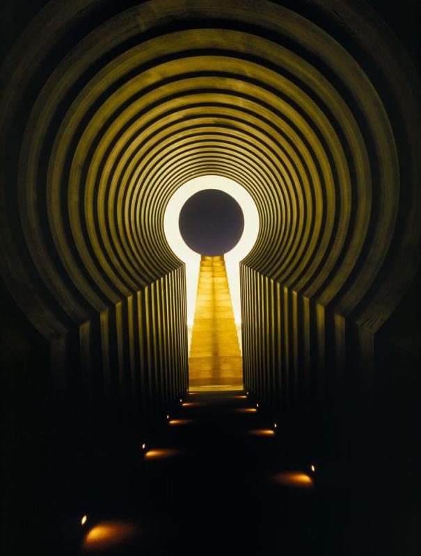 Фото проекта Джеймса Таррелла «Кратер Родена»