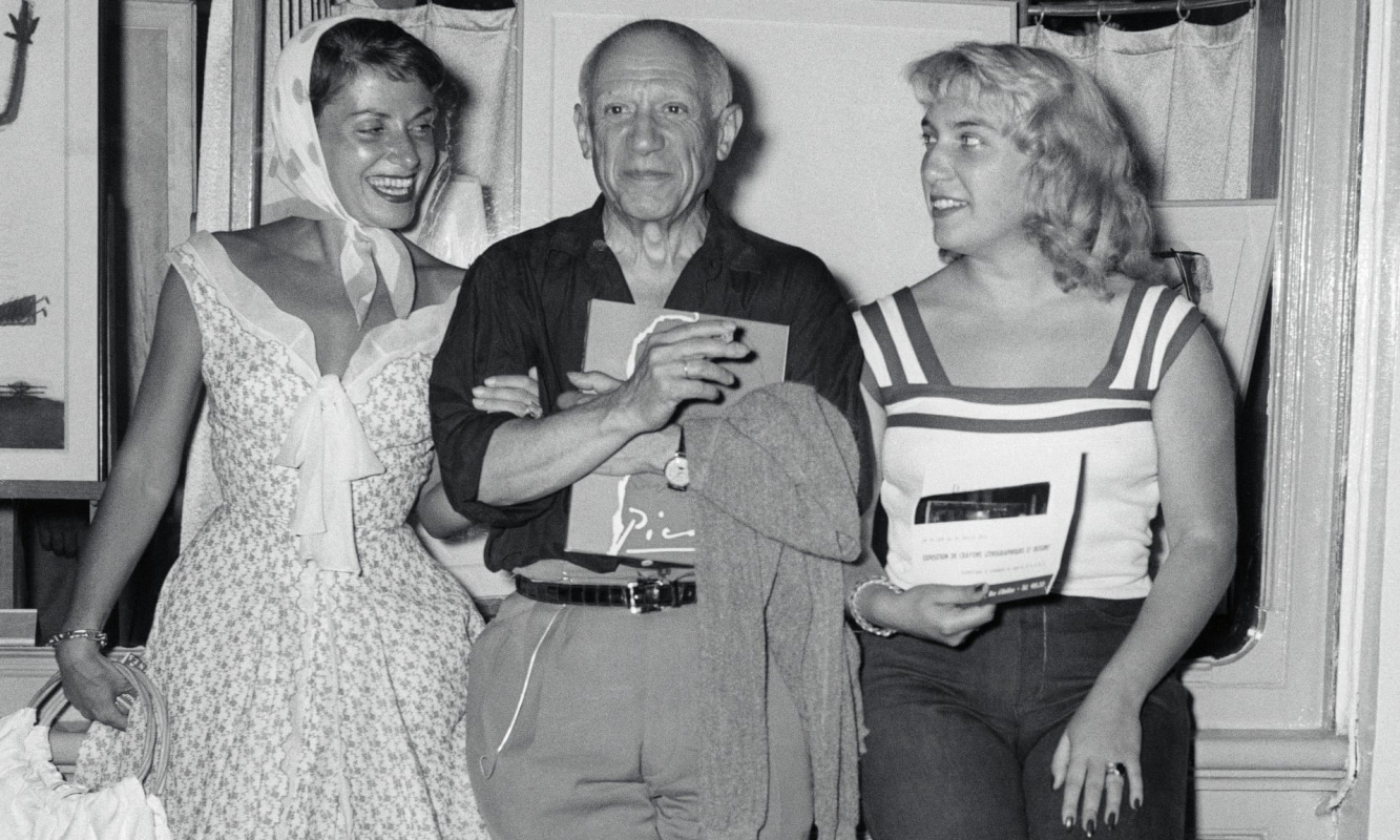 Пикассо с Майей (справа) и актрисой Верой Клузо в 1955. Фото: Bettmann / Bettmann Archive