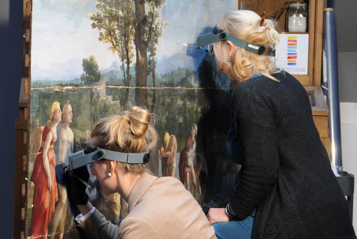 Музей в Голландии предлагает найти секреты на картине Яна ван Скорела
