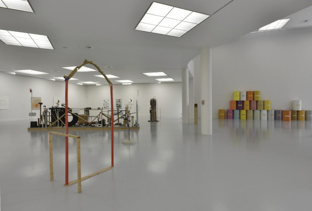 Навыставке Джимми Дарема «AMatter ofLife and Death and Singing» (2012) вМузее современного искус