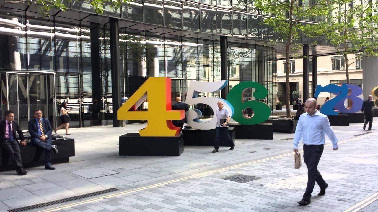 Скульптуры Ай Вэйвэя, Дэмиена Херста и других  культовых художников современности «поселят» на улицах Лондона