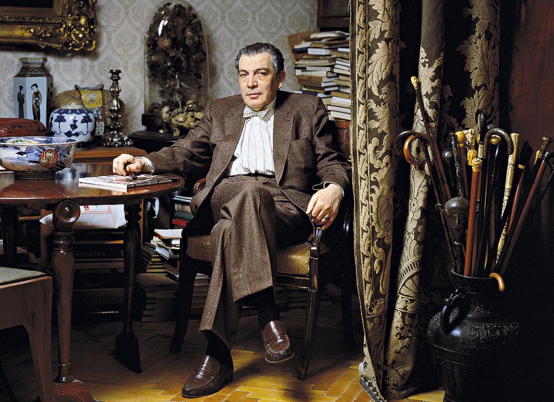 Кинорежиссер Соломон Шустер в петербургской квартире. Фото Леонида Огарёва, 1994. Предоставлено фот