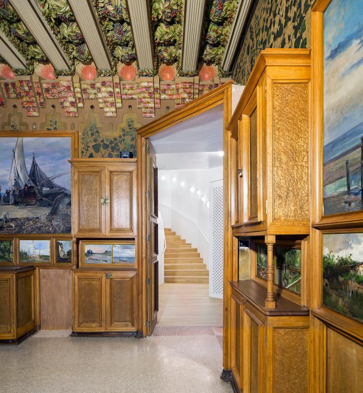 Первый дом, построенный Гауди, открыл свои двери в Барселоне в качестве музея Гауди, Винсенса, здания, также, архитектора, особняк, Vicens, Висенса, течение, первый, некоторые, стоимость, интерьеров, только, Барселоне, который, проект, музея, между, декор
