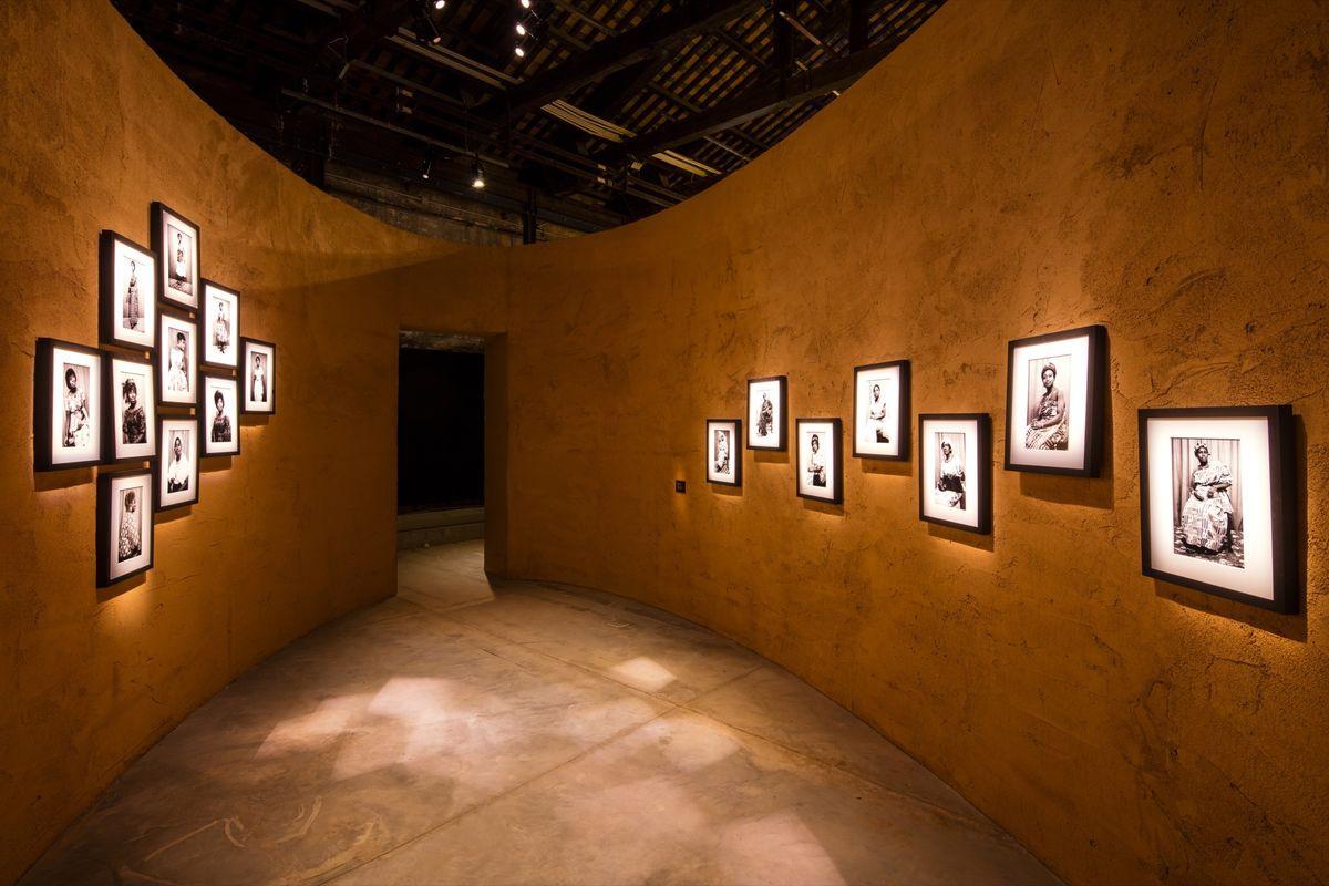 В нынешнем году на Венецианской биеннале впервые представлен национальный павильон Ганы. Его экспози