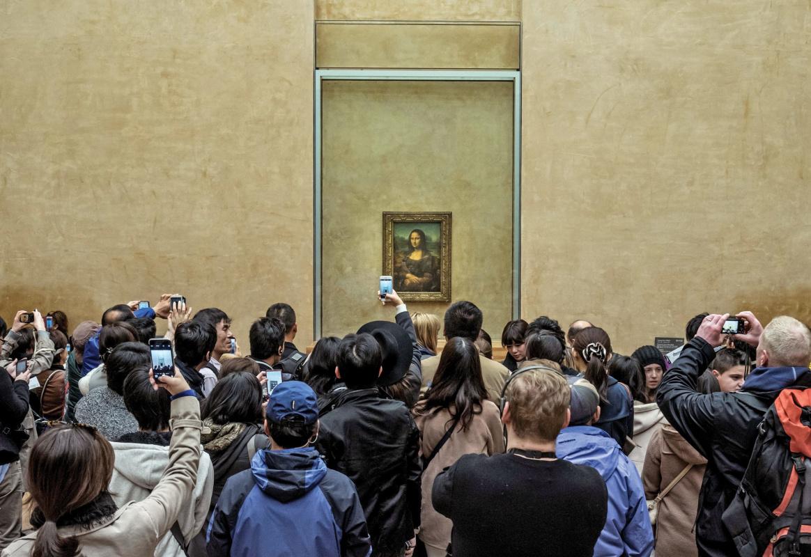 В Лувре возникла массовая неразбериха из-за перемещения «Моны Лизы»