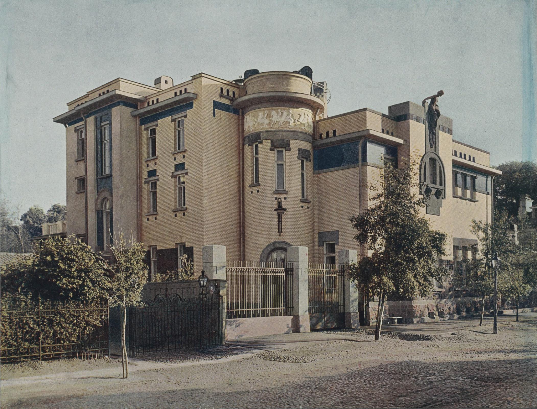 S. N. Chaev's mansion was built in St. Petersburg in 1906—1907. Architect Vladimir Apyshkov.Photo S