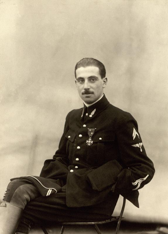 Лейтенант Ниссим де Камондо незадолго до гибели (1917 год)