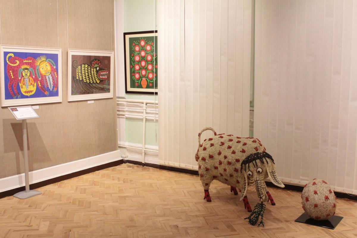 Навыставке Марии Примаченко. Фото со страницы музея вфейсбуке.
