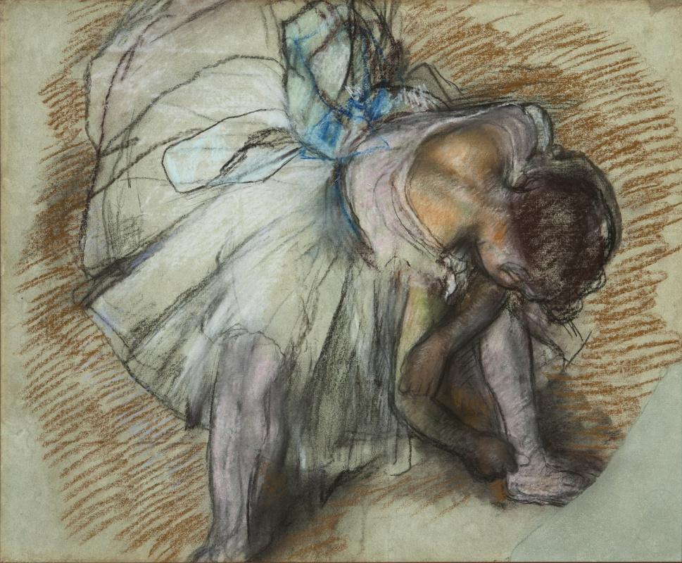 Эдгар Дега. Сидящая балерина, завязывающая ленты балетных туфель