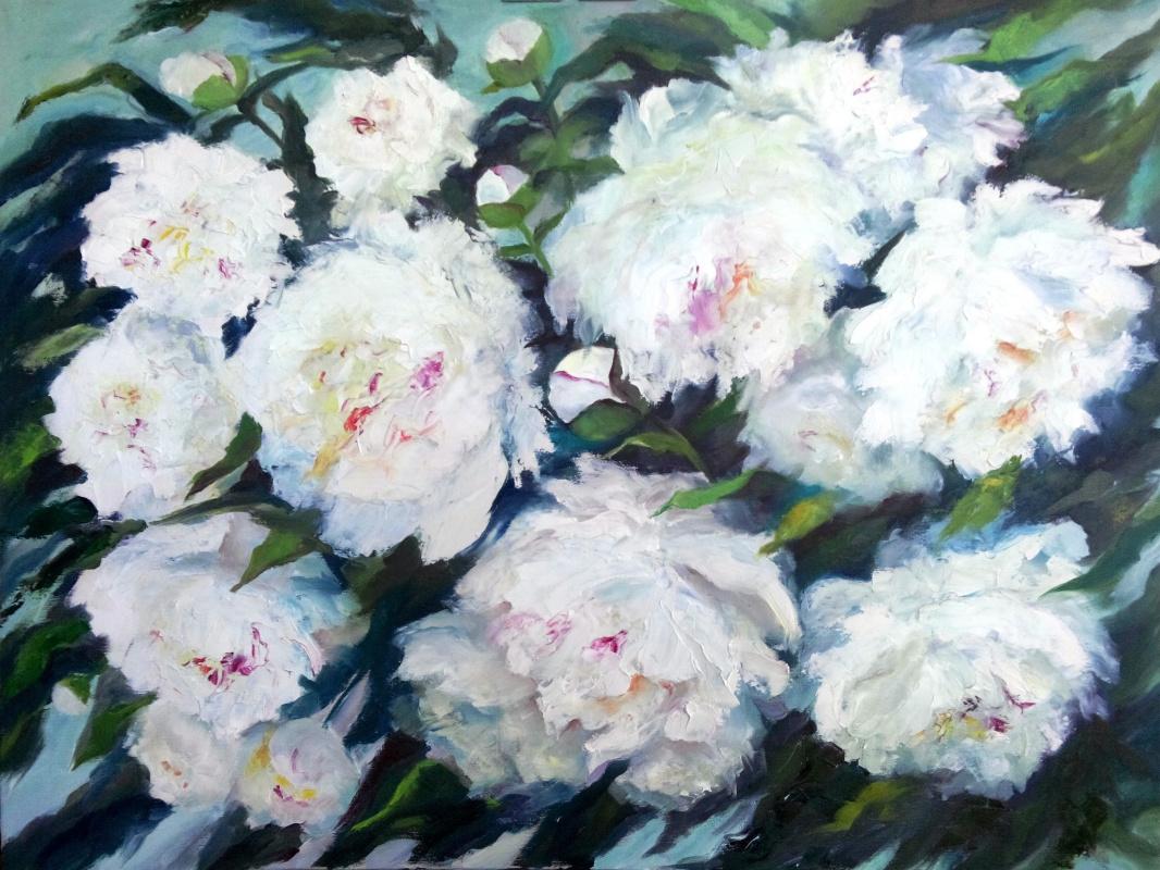 Larissa Yurievna Logacheva. Blossomed in the garden peonies