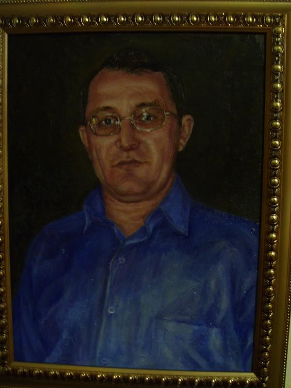 Мужчина в синем