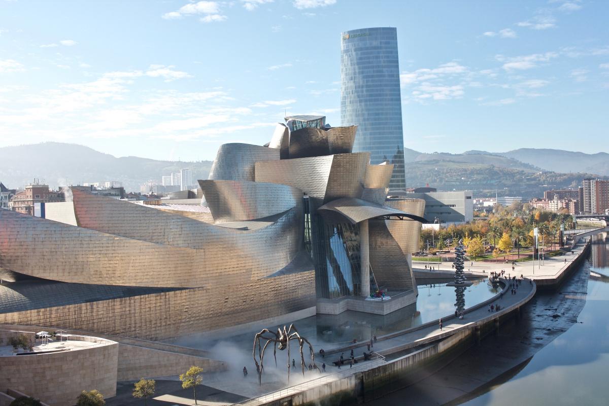 Frank Owen Gehry. Guggenheim Museum Bilbao