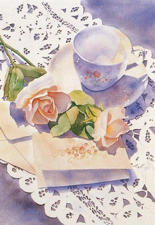 Белая чашка и цветок