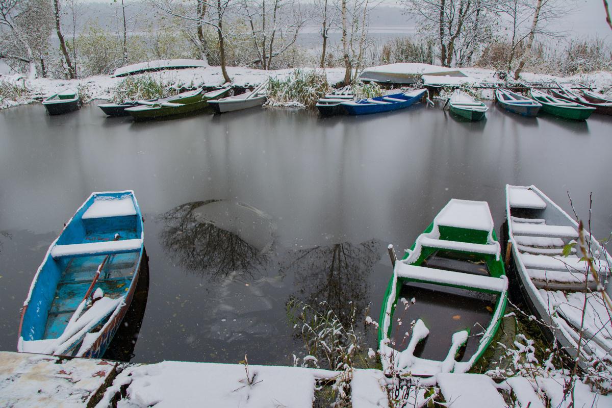 Vladimir Nikolaevich Bezgreshnov. First Snow. Boats. 2 (from the series)