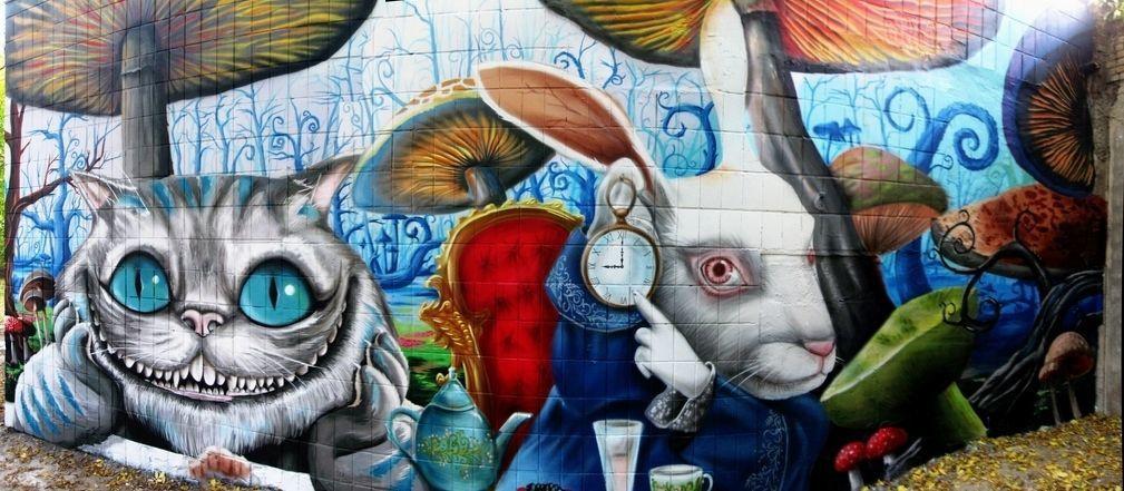 ApTown. Alice in Wonderland