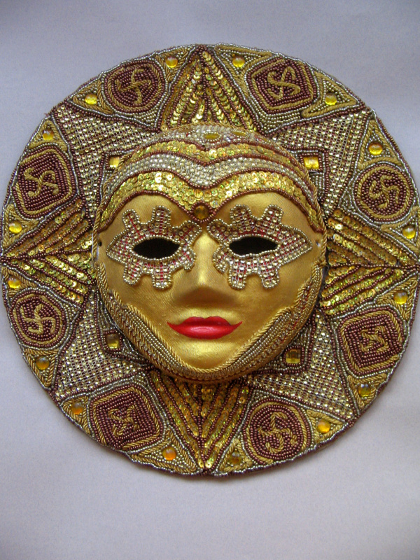 """Tatyana Turanova. Mask """"Golden Sun"""","""