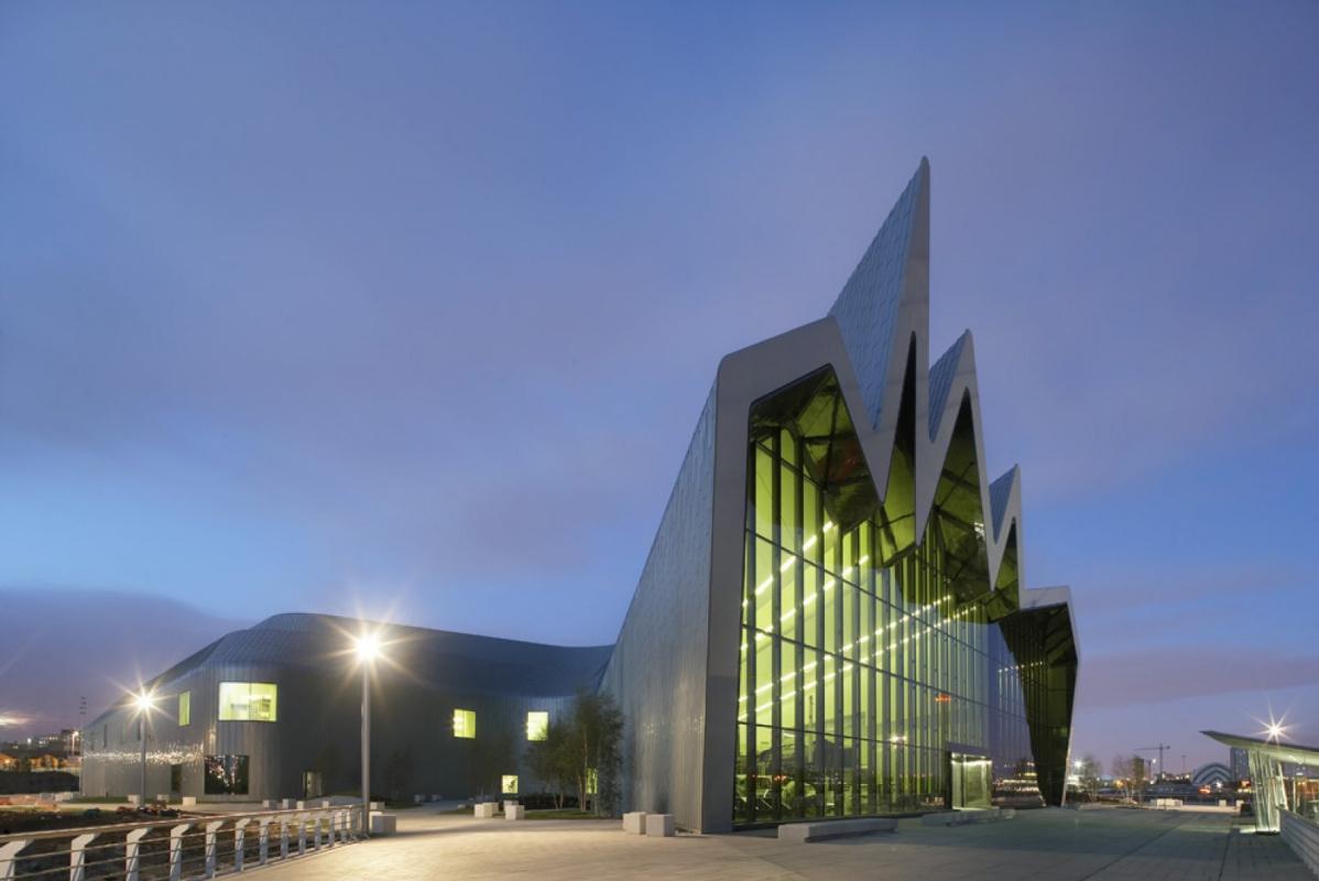 Zaha Hadid. Riverside Transport Museum