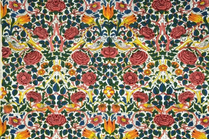 William Morris. Roses (fragment)