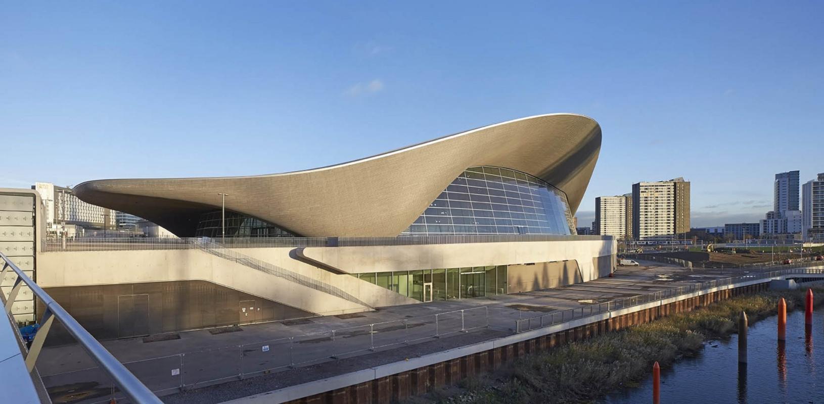 Zaha Hadid. London Aquatics Center