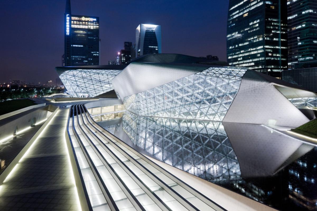 Zaha Hadid. Guangzhou Opera House