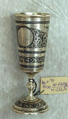 Неизвестный  художник. Рюмка из арабского набора.