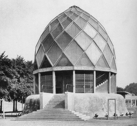 Bruno Taut. Glass Pavilion