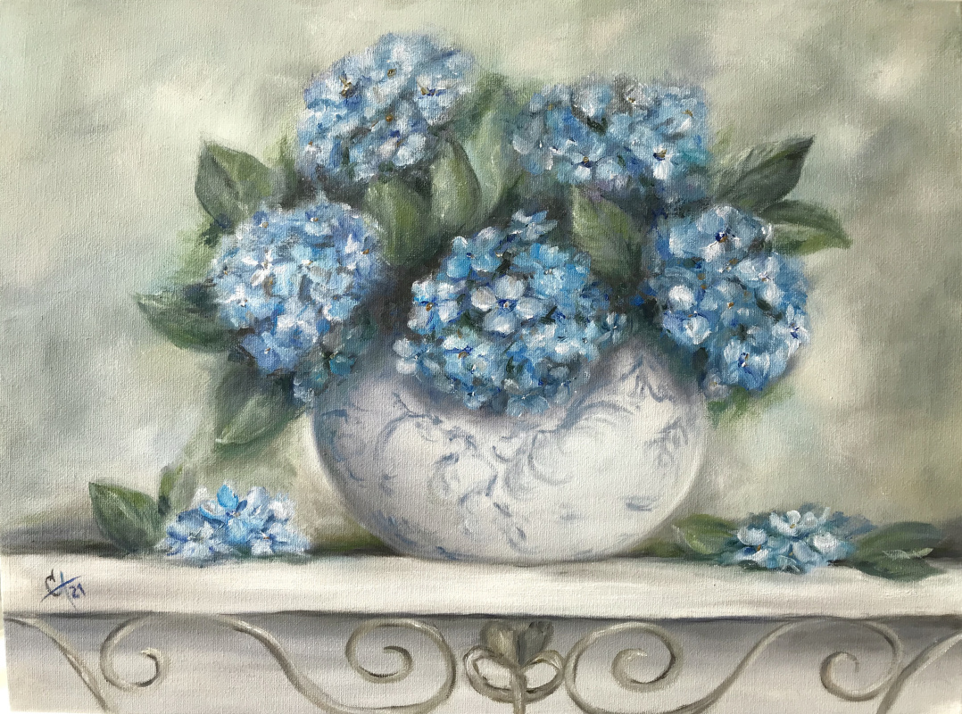 Svetlana Ivanova. Blue hydrangeas in a vase
