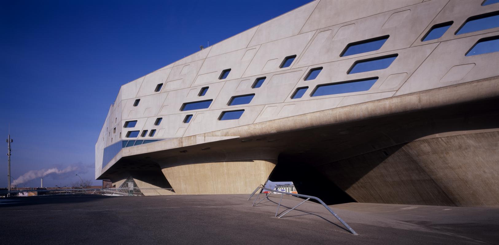 Zaha Hadid. Science Center Phaeno