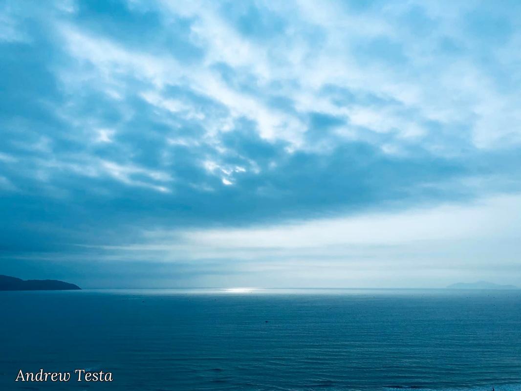 Andrew Testa. A corner of the sea
