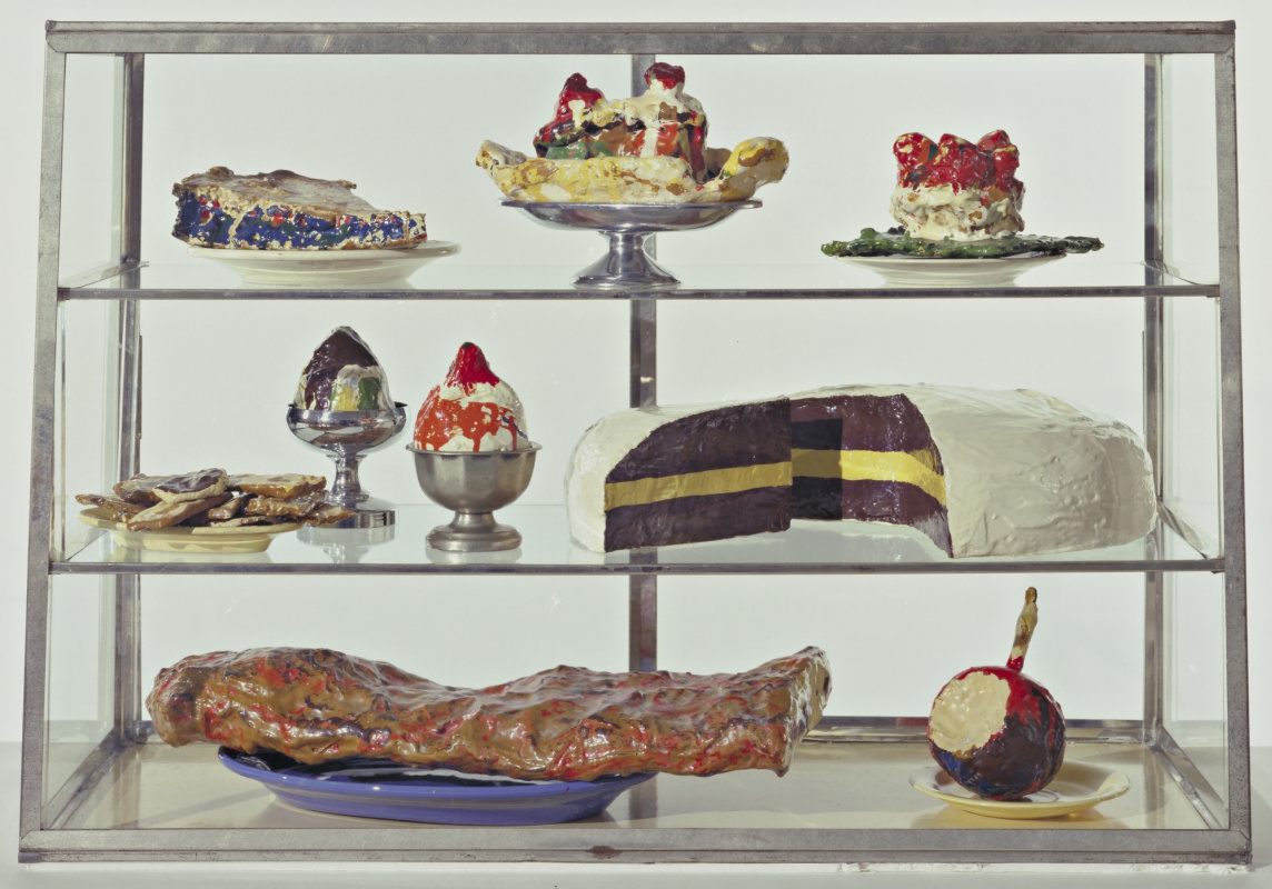 Klas Oldenburg. Showcase cakes