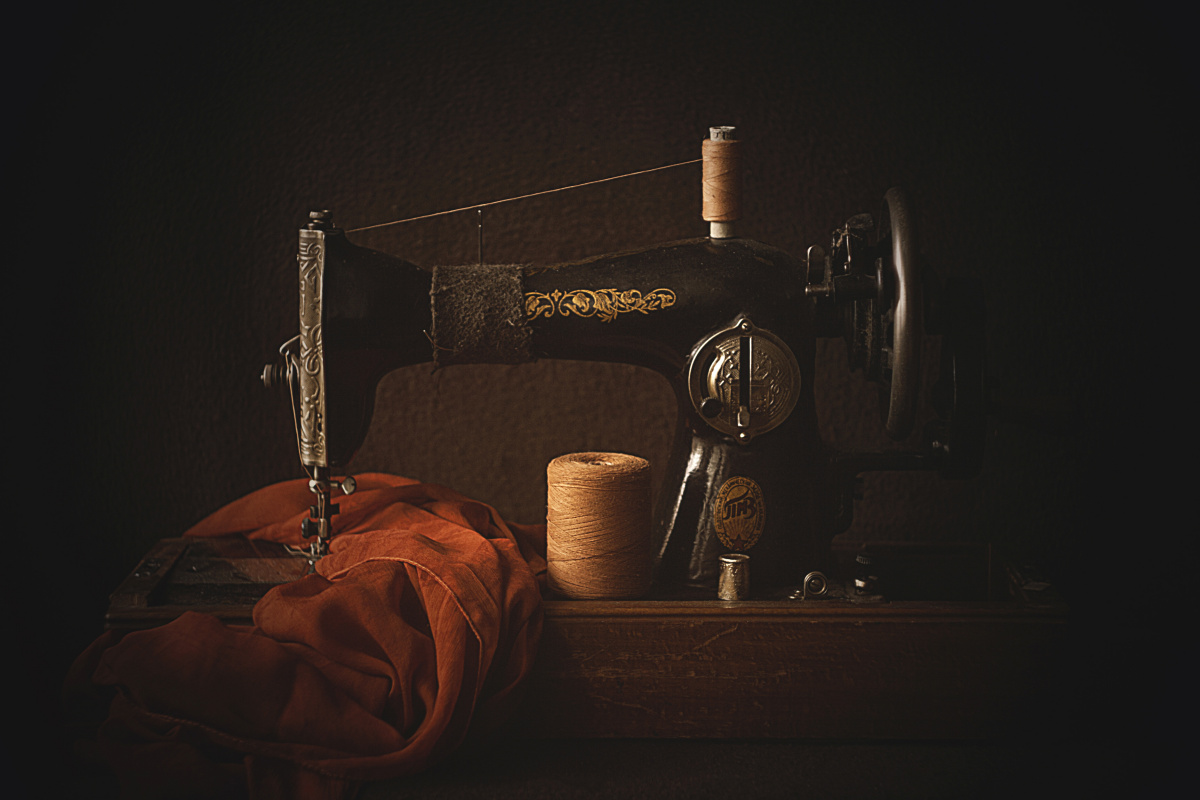 """Olga Alekseychik. """"Cutting and sewing"""""""