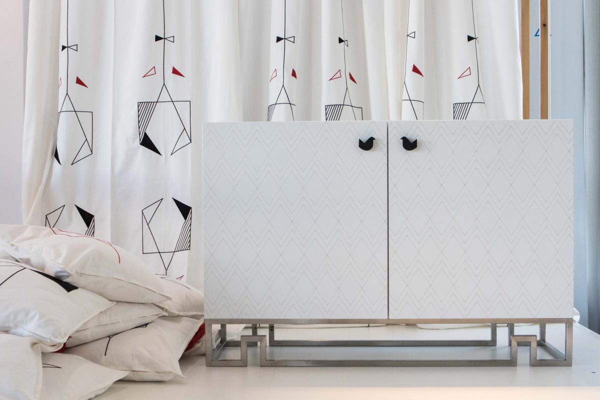 Product Design students SARDISKA - Mobile soggiorno Besta / Ikea ...