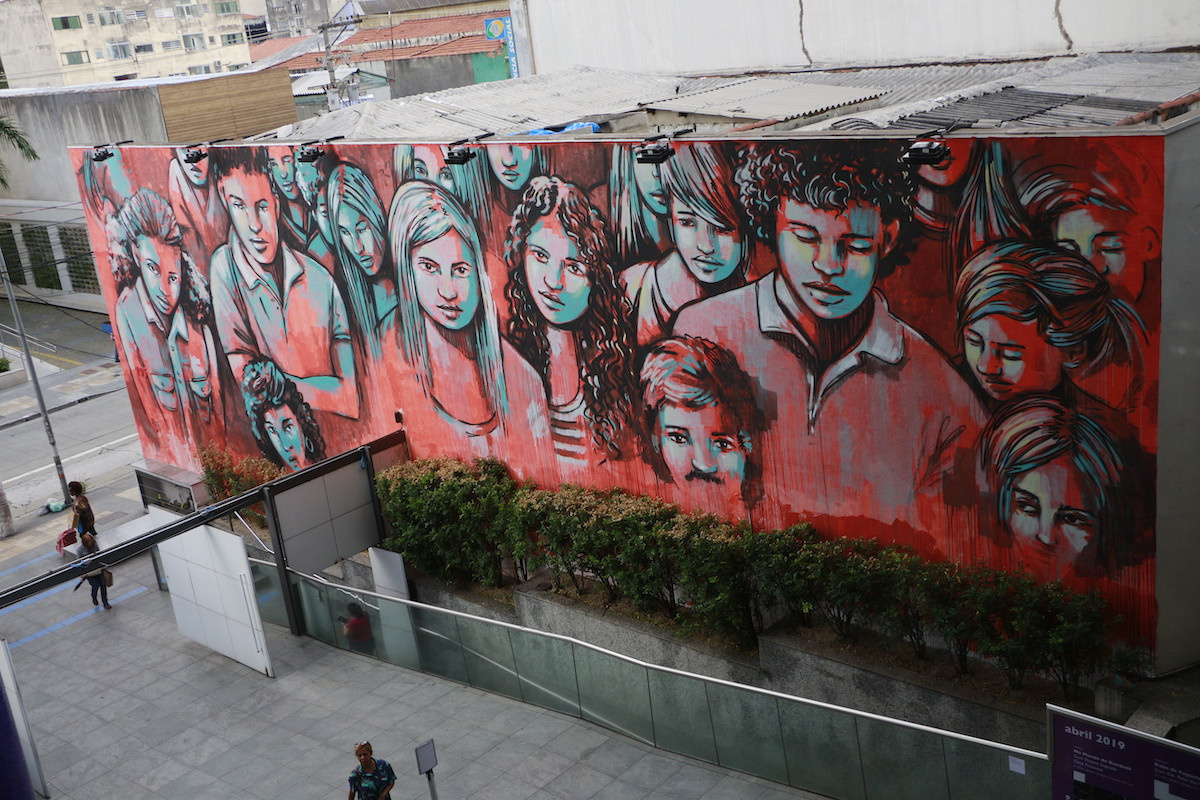 """Alice Pascini. Mural on the building of the """"Sesc Pinheiros"""""""