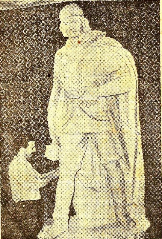 Керим Ибрагим оглы Рзаев. Памятник Короглу
