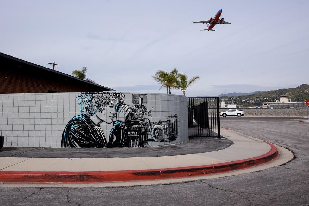 Alice Pascini. Burbank, California