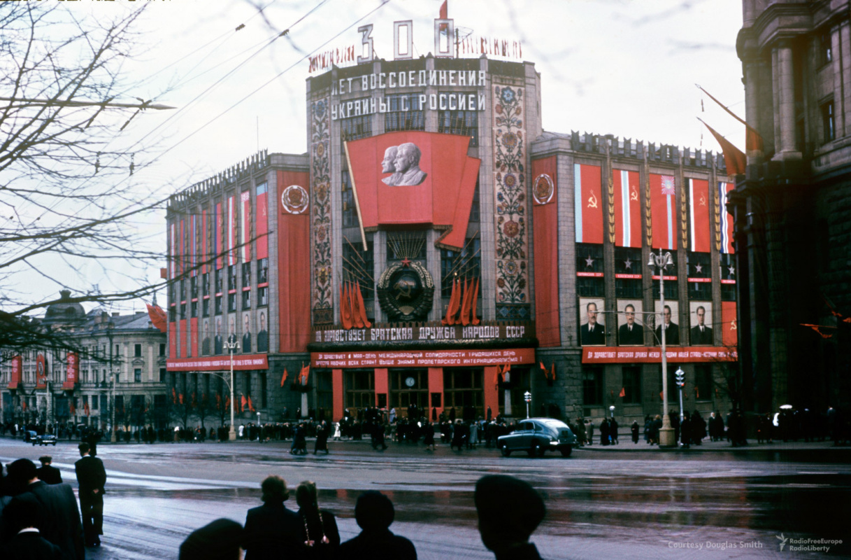 Historical photos. Political Campaigning at the Central Telegraph Building in Moscow in the Early 1950s