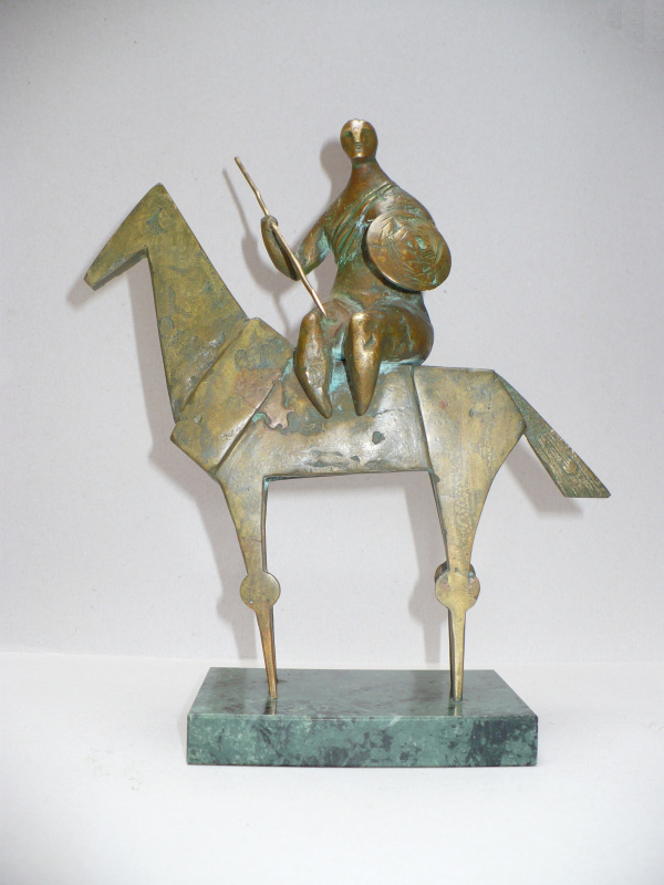 David Oganesian. Amazon (bronze, marble)