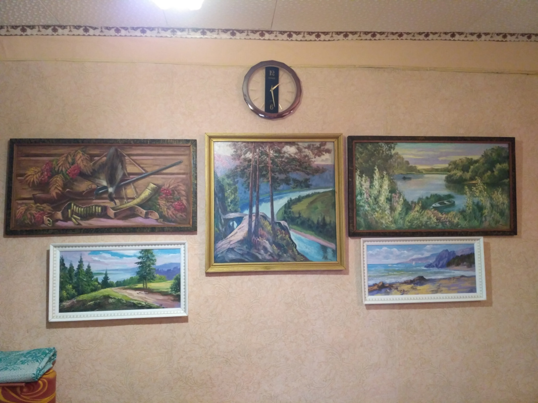 Marles Rakhipovich Nasartinov. Preparation for the exhibition of works at Shrovetide
