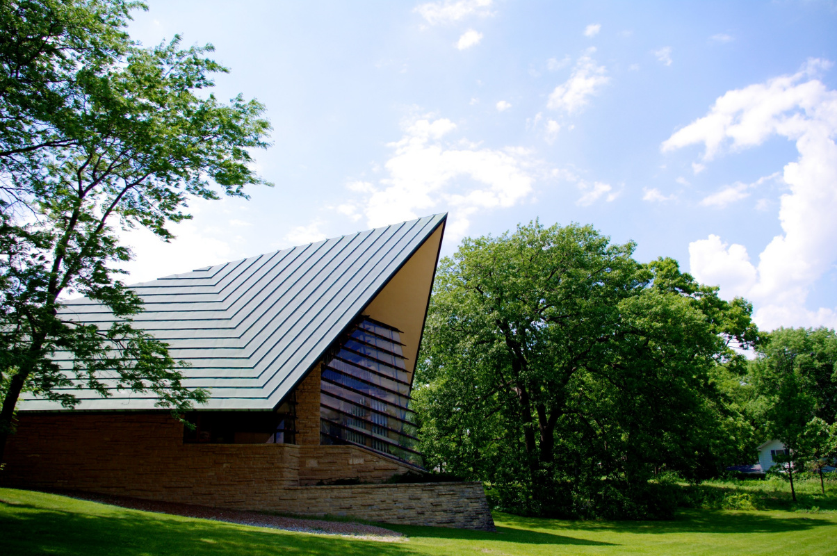 Frank Lloyd Wright. First Unitarian Prayer House