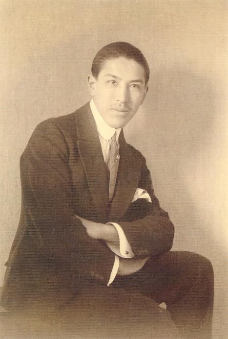 Альберто Варгас. Автор