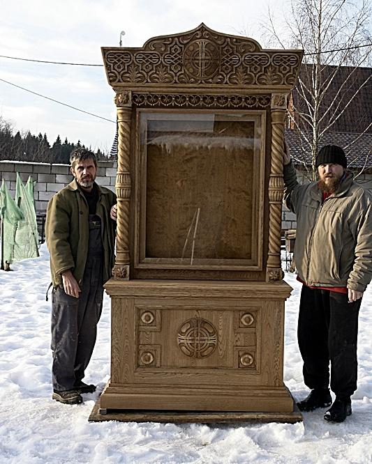 Игорь Юрьевич Дрождин. Резной киот напольный