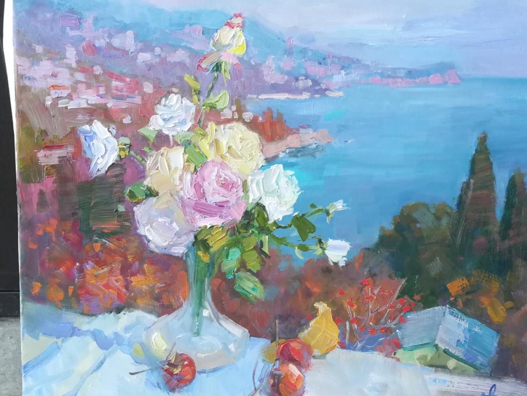 Anna Vladimirovna Davydchenko. Roses on a background of Alupka