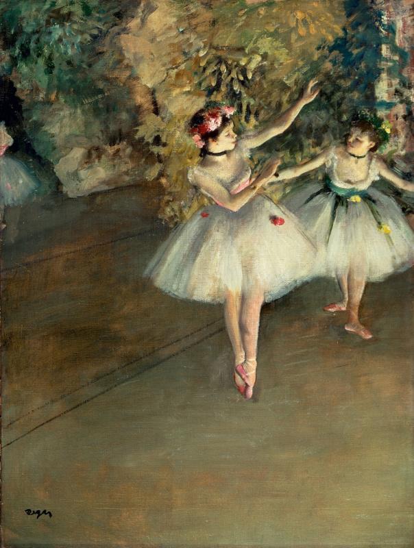 Две балерины на сцене
