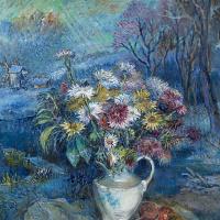 Цветы в белой вазе
