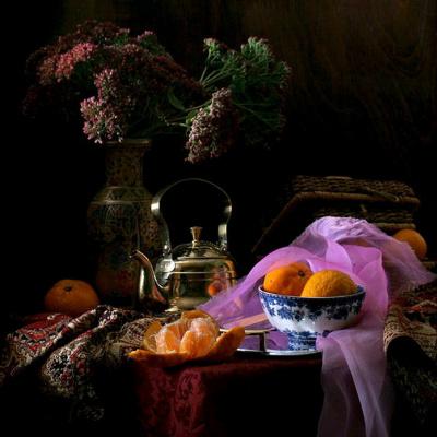 Джузеппе  Муцио. Натюрморт с фруктами и вазой